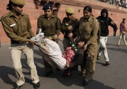 Multitudinarias protestas en India