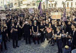 """Entrevista a Justyne, activista de la """"protesta negra"""" por el derecho al aborto en Polonia"""