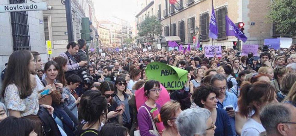 La Justícia Patriarcal deixa lliures als membres de 'La manada'