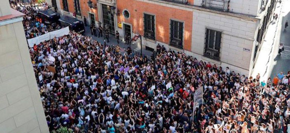 Un clam inunda els carrers contra la Justícia patriarcal en tot l'Estat espanyol