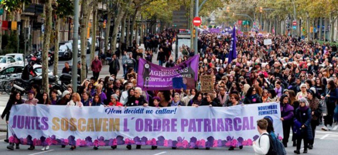 Milers de dones es mobilitzen a tot l'Estat en el dia internacional de lluita contra les violències masclistes