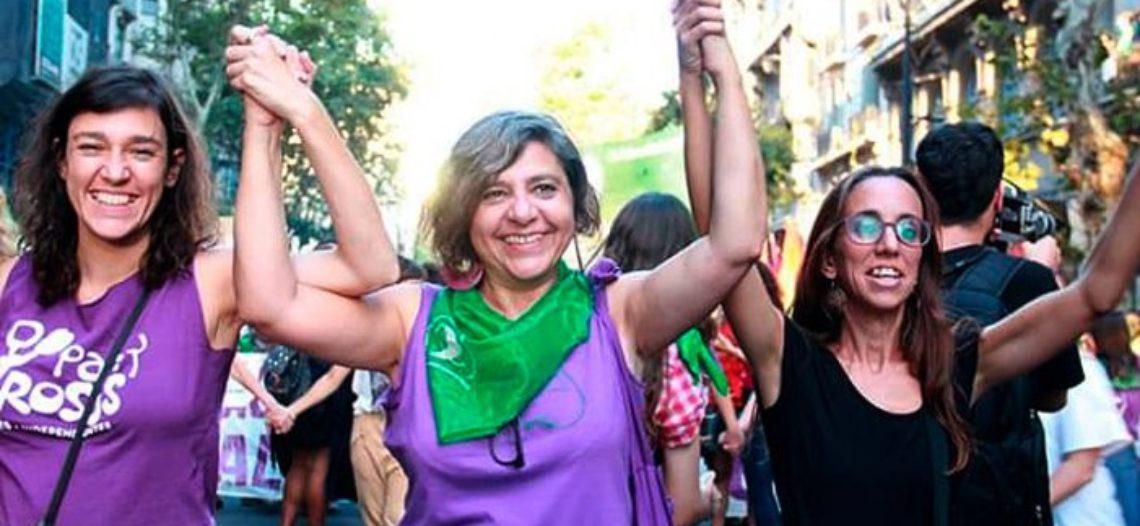 Fundadora de Pan y Rosas comienza un mes de actividades en Europa