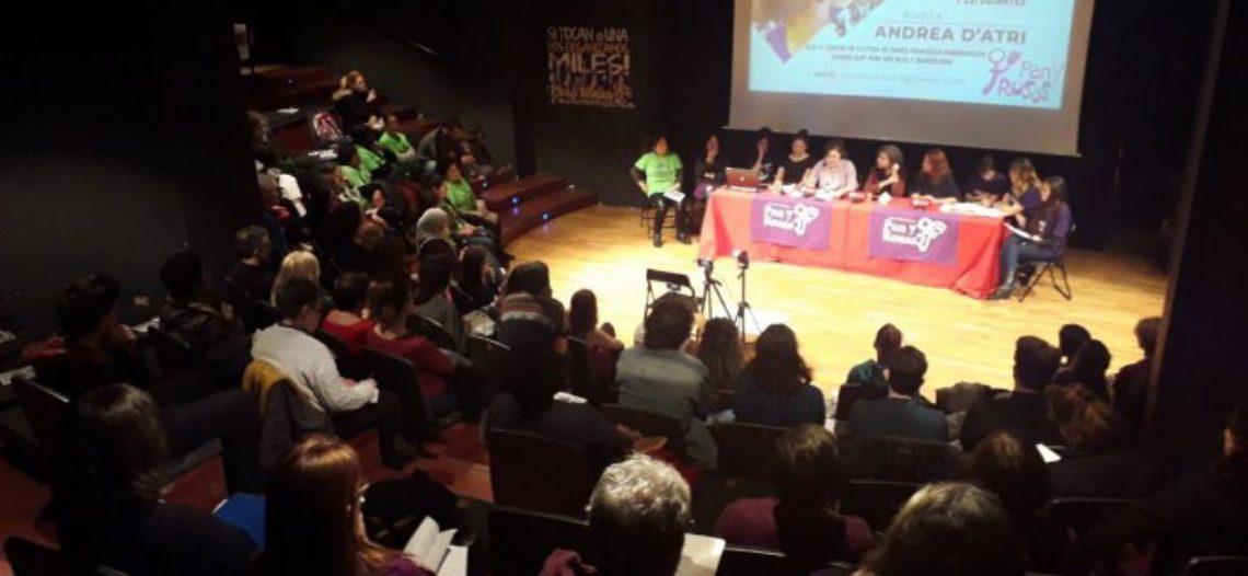 """Encuentro de mujeres con Andrea D'Atri: """"Las trabajadoras pueden ser dirigentes de su clase frente a la crisis capitalista"""""""