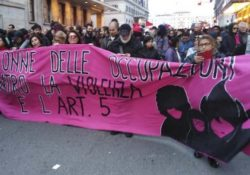 Pan y Rosas Italia en la manifestación contra la violencia hacia las mujeres en Roma